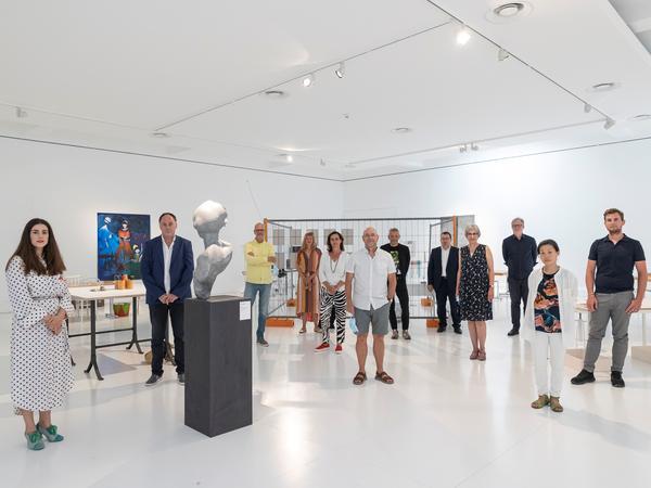 Kurator*innen und Künstler*innen im Kunstraum Engländerbau c) Daniel Schwendener