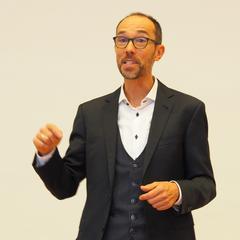 Bernd Hufnagl bei seinem Vortrag