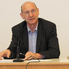 Hans G. Zeger bei seinem Vortrag