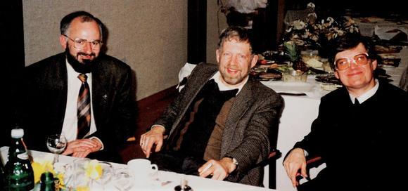 Dr. Johannes G. Gartner (rechts) im Kreis dreier ehemaliger Rektoren mit Eduard Gruber und Franz Steinkellner)