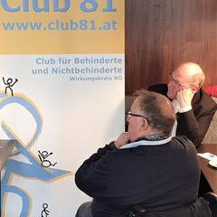 Bischof Dr. Alois Schwarz mit dem Obmann des Club 81 Josef Schoisengeyer